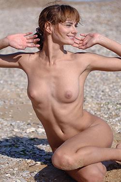 Top hooker Yannie Berlin escorte massage érotique personals